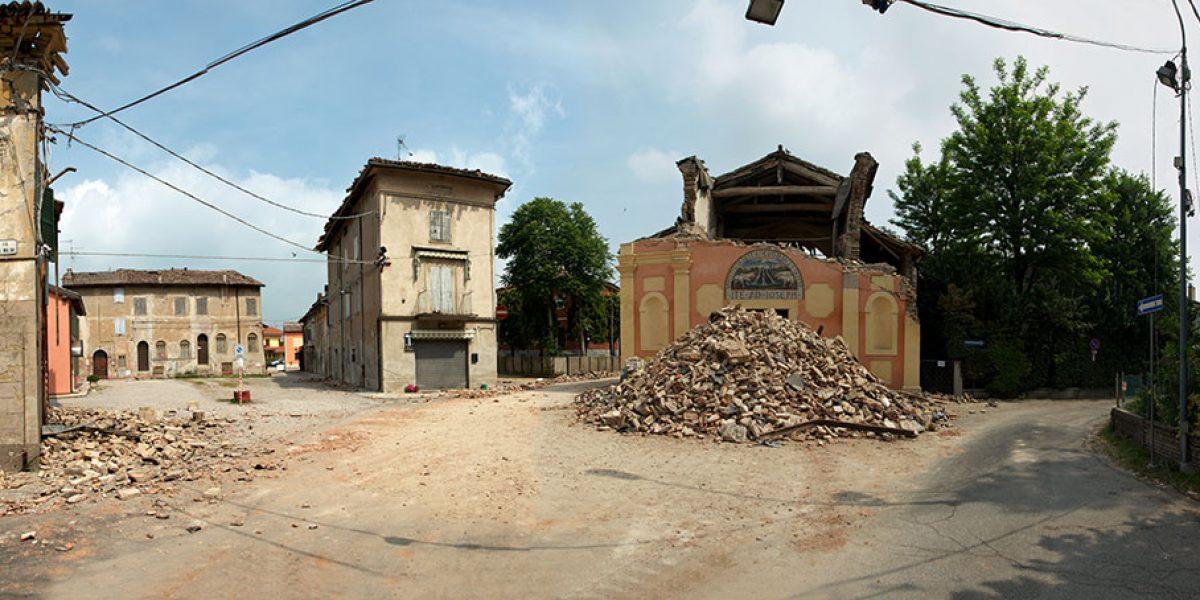 Desolante immagine di un borgo di San Felice sul Panaro completamente danneggiato